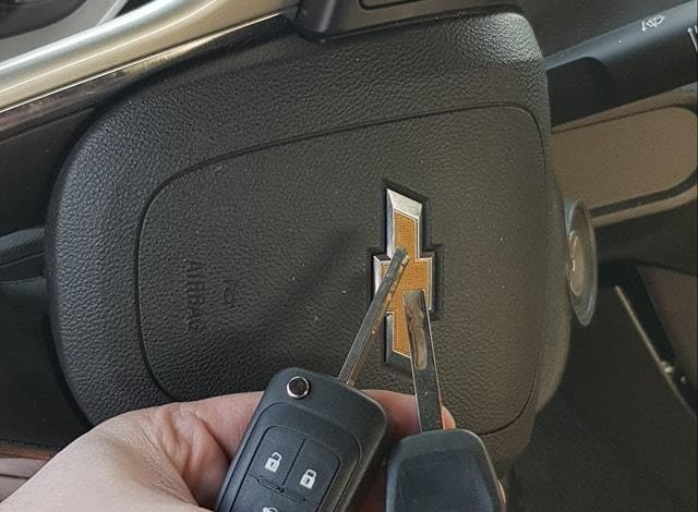 CHEVROLET CAMARO 2013 - wszystkie klucze zgubione. Dorobienie jednego klucza z pilotem i jednego tylko do odpalania.